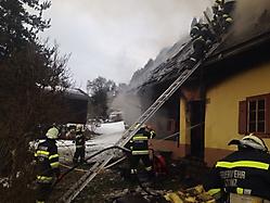 Wohnhausbrand in Tanzelsdorf (2)